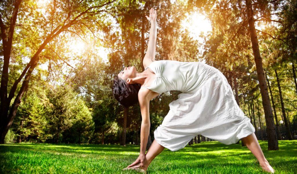 Yoga hilft gegen Stress und Burnout
