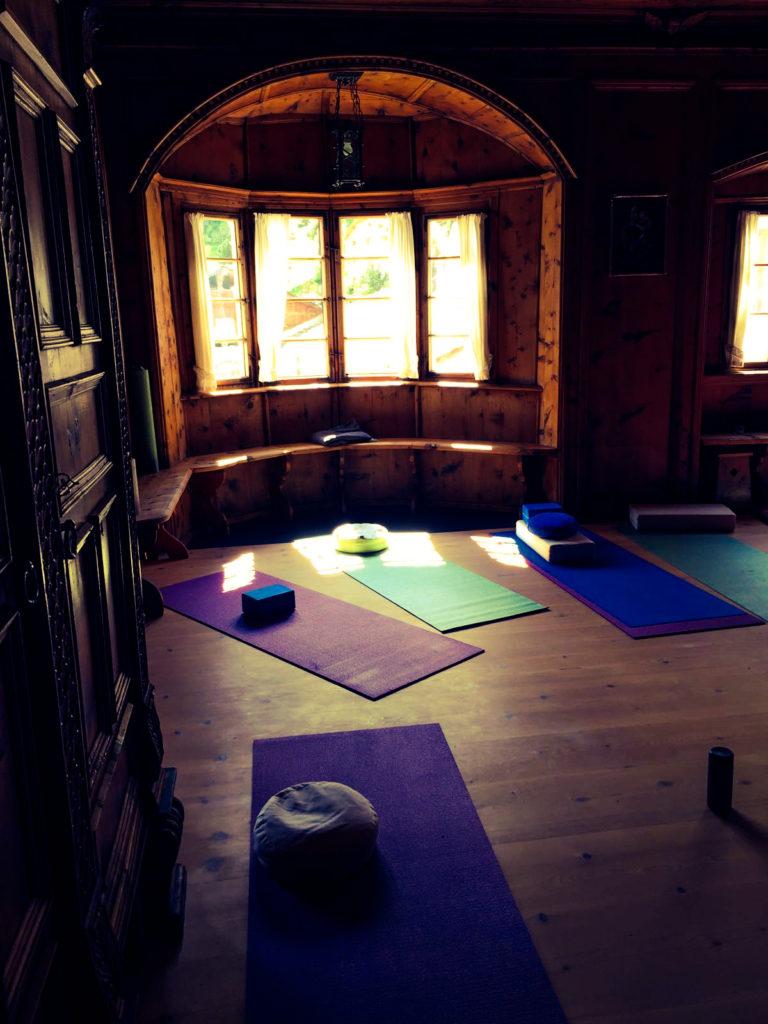 Yoga und Meditation im Kloster