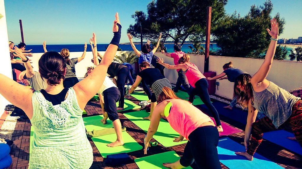 Yoga am Meer Yogaferien mit Stefan Dachterasse Internet